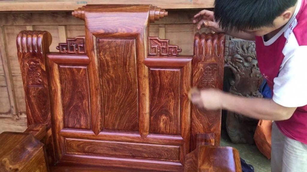 Cách đánh vecni bàn ghế quận Hà Đông